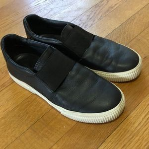 [Vince] Leather Slip On Sneakers